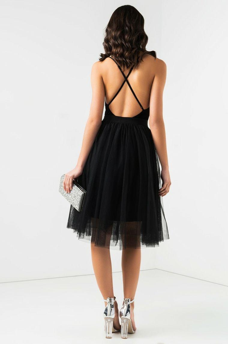 619224ea9c73 Vestito di colore nero con schiena scoperta e parte bassa con tulle  trasparente