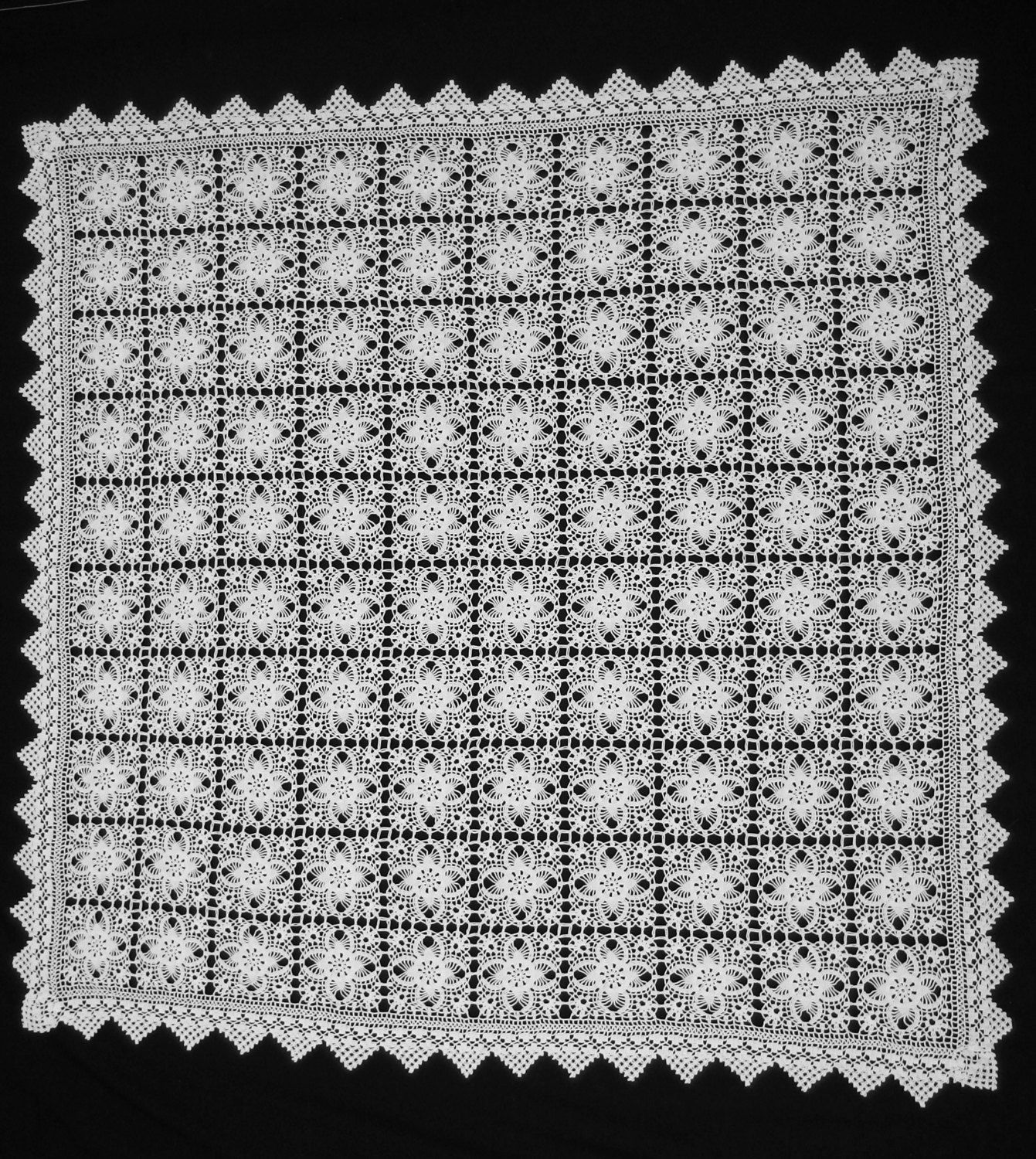 Vintage Square White Filet Lace Tablecloth Crochet Flowers Motifs Geometric  Trimming Handcrocheted Cottage Chic Decor By