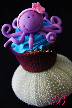 ♥ | Cute Octopus cupcake.
