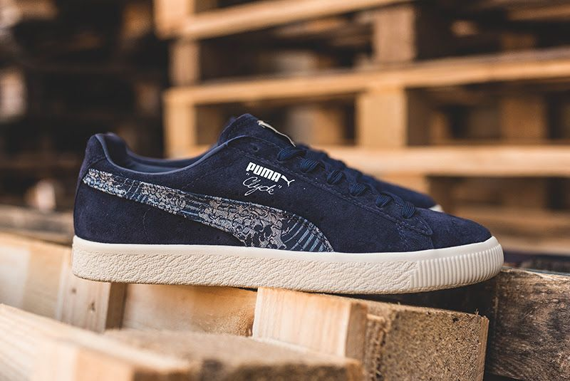 sneakers for cheap 53210 a7791 Puma Clyde