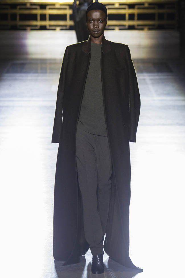 http://i0.wp.com/www.fashiongonerogue.com/wp-content/uploads/2014/03/haider-ackermann-fall-winter-2014-show23.jpg