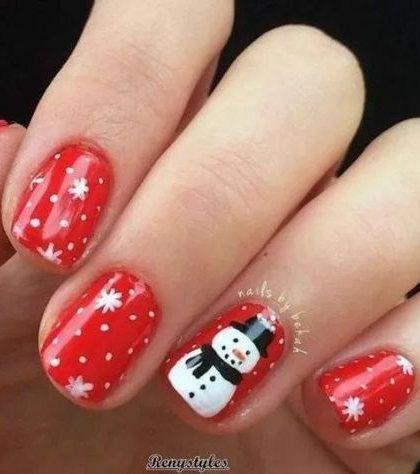 32 Pretty Santa Christmas Colored Nail Arts For Holiday Parties