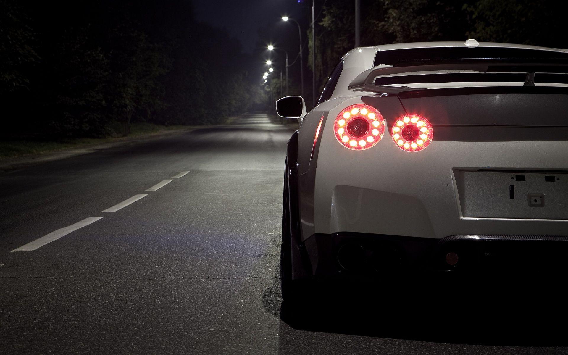 Attirant Explore Nissan Gtr R35, Fast Cars And More!