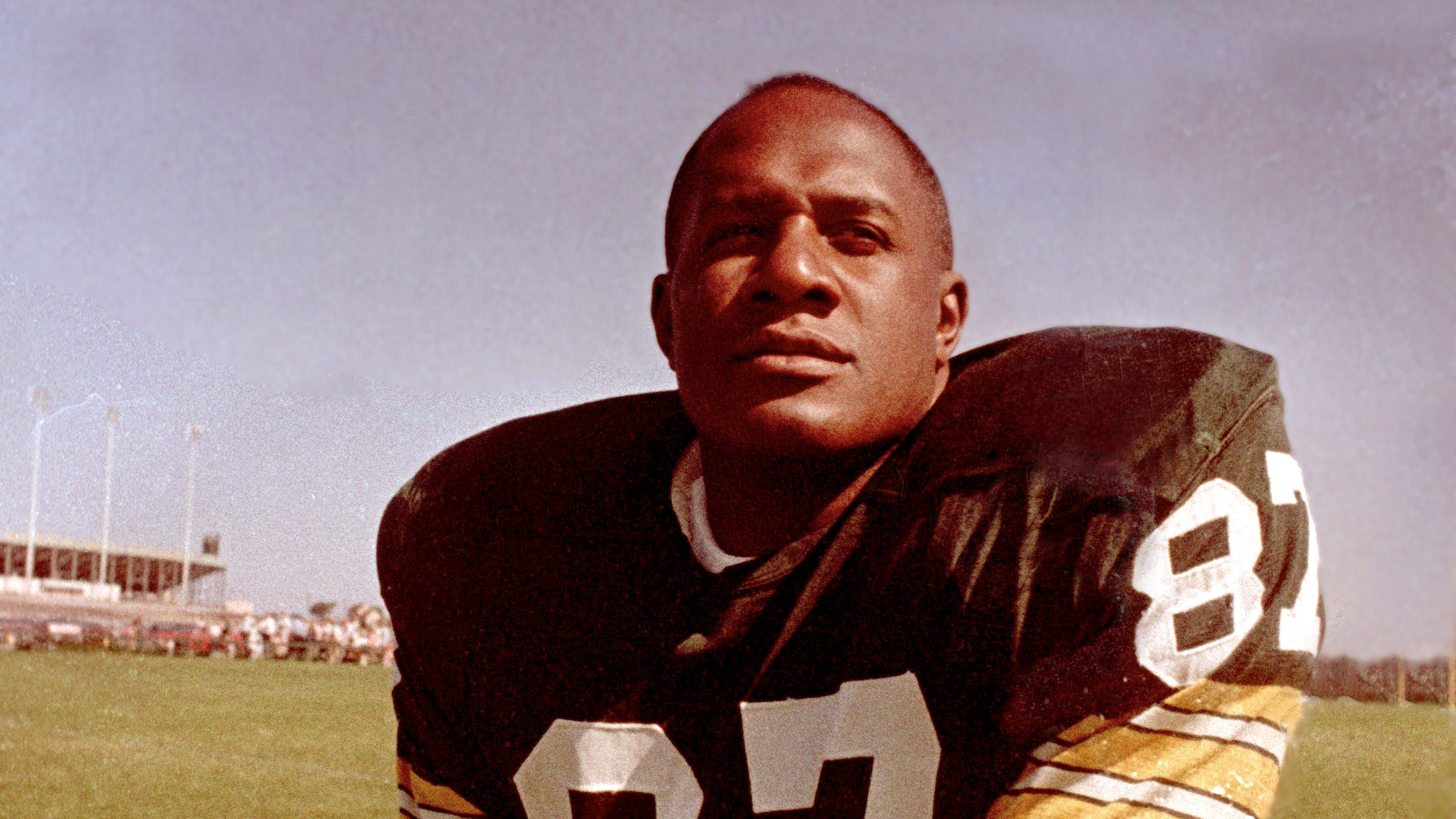 Hall Of Fame Green Bay Packers Defensive End Willie Davis Dies At 85 In 2020 Green Bay Packers Green Bay Packers