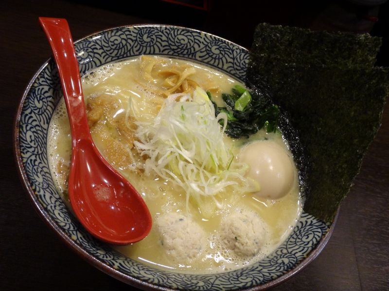 Chicken Salt Soba( Thick white broth prepared by boiling chicken bone until melted )