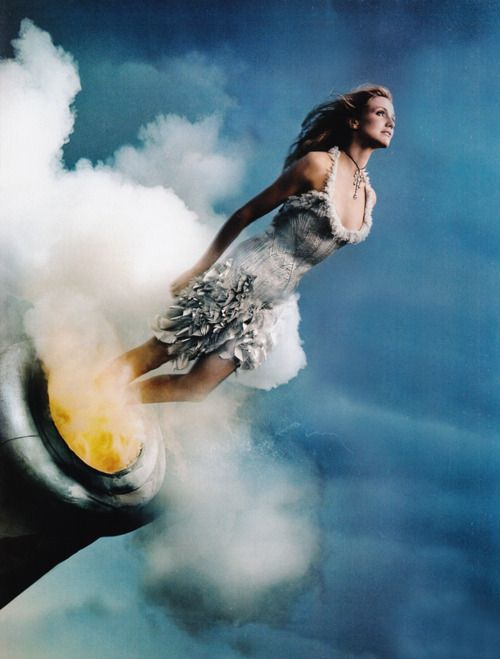 Cameron Diaz in Atelier Versace   Annie Leibovitz Vogue May 2003