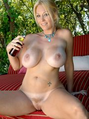 Blond milf galleries