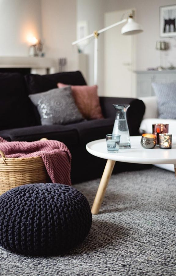 Living room, black, grey, pink, Normann Copenhagen Tablo | Wiener Wohnsinn