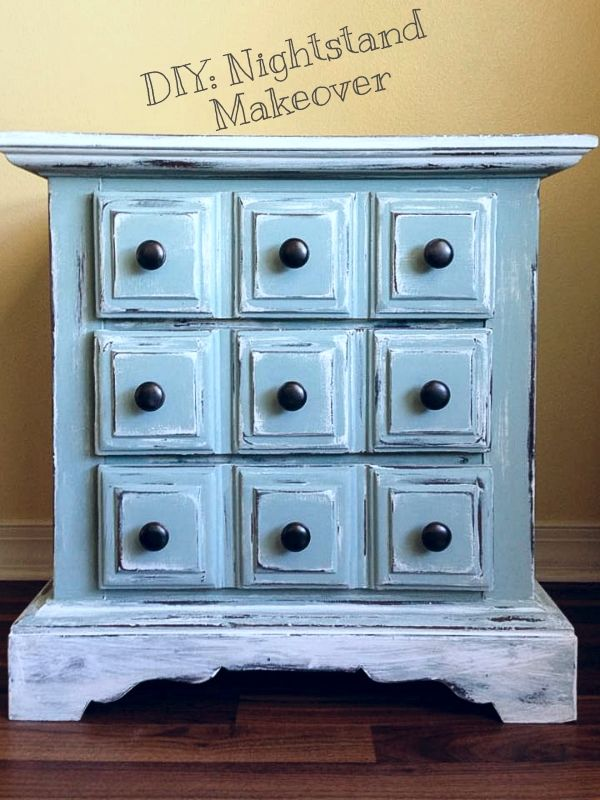 DIY Nightstand Makeover Beach Cottage Look :: Refinished Furniture # Distressed #ChalkPaint