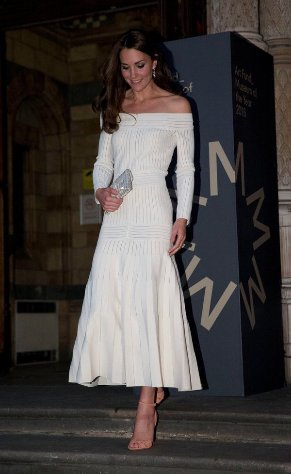 f5beb48c97a6a8 Which Is The Best Dress Kate Wore This Year