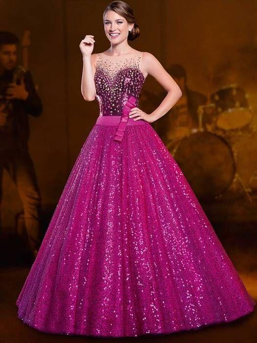 bf0dacea4 Vestido longo com brilho que eu adorei! Veja essa e outros Vestidos de 15  Anos aqui.