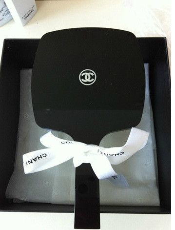 1470e0114258c7 CHANEL VIP Gift Vanity Large Hand Mirror | Dream Home | Chanel ...