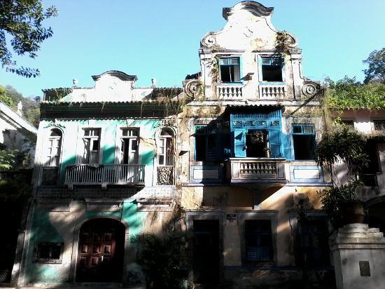 Photo of Boticario Square