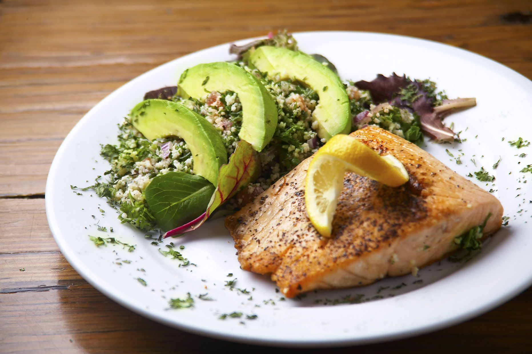 Eat Good Feel Good With Lemoni Cafe Located At 4600 N E 2nd Ave Miami Fl 33137 Tel 305 571 5080 In The Miami Design District Http Lemon Eat Cafe Food