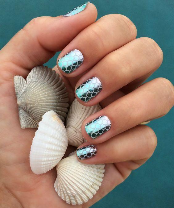 13 Diseños de uñas para las amantes de las sirenas y el mar