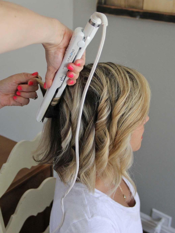 straightener curls Short hair waves, Beach waves for