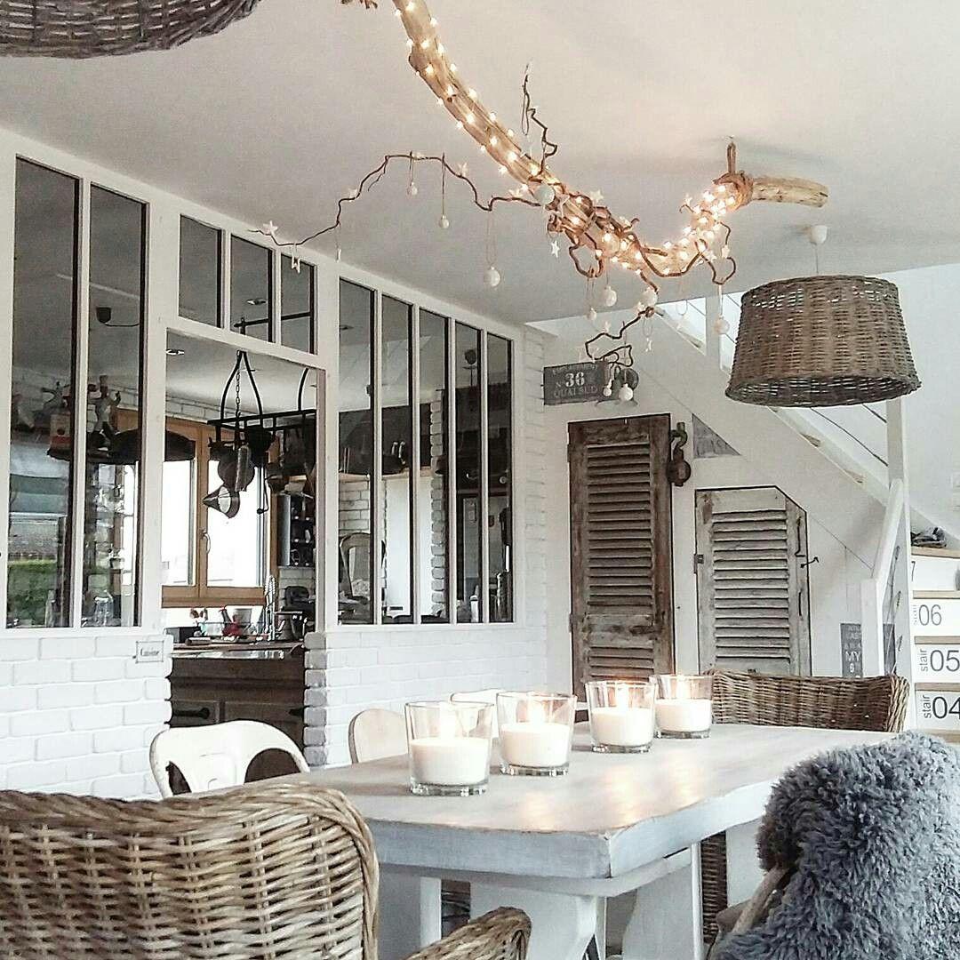 cuisine s par e par une verri re et salle manger avec. Black Bedroom Furniture Sets. Home Design Ideas