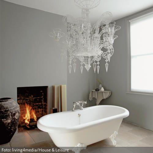 eine freistehende badewanne direkt auf den steinboden mag etwas k hl erscheinen aber der offene. Black Bedroom Furniture Sets. Home Design Ideas