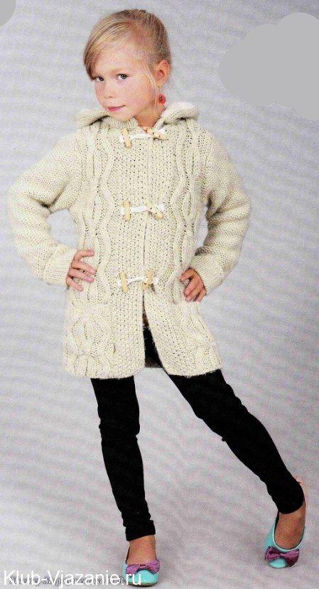 вязаное пальто с капюшоном спицами для девочки размер на 6 лет