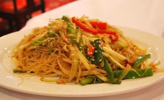 Veg Singapore Noodles A delicious and tasty vegetarian Singapore noodles.