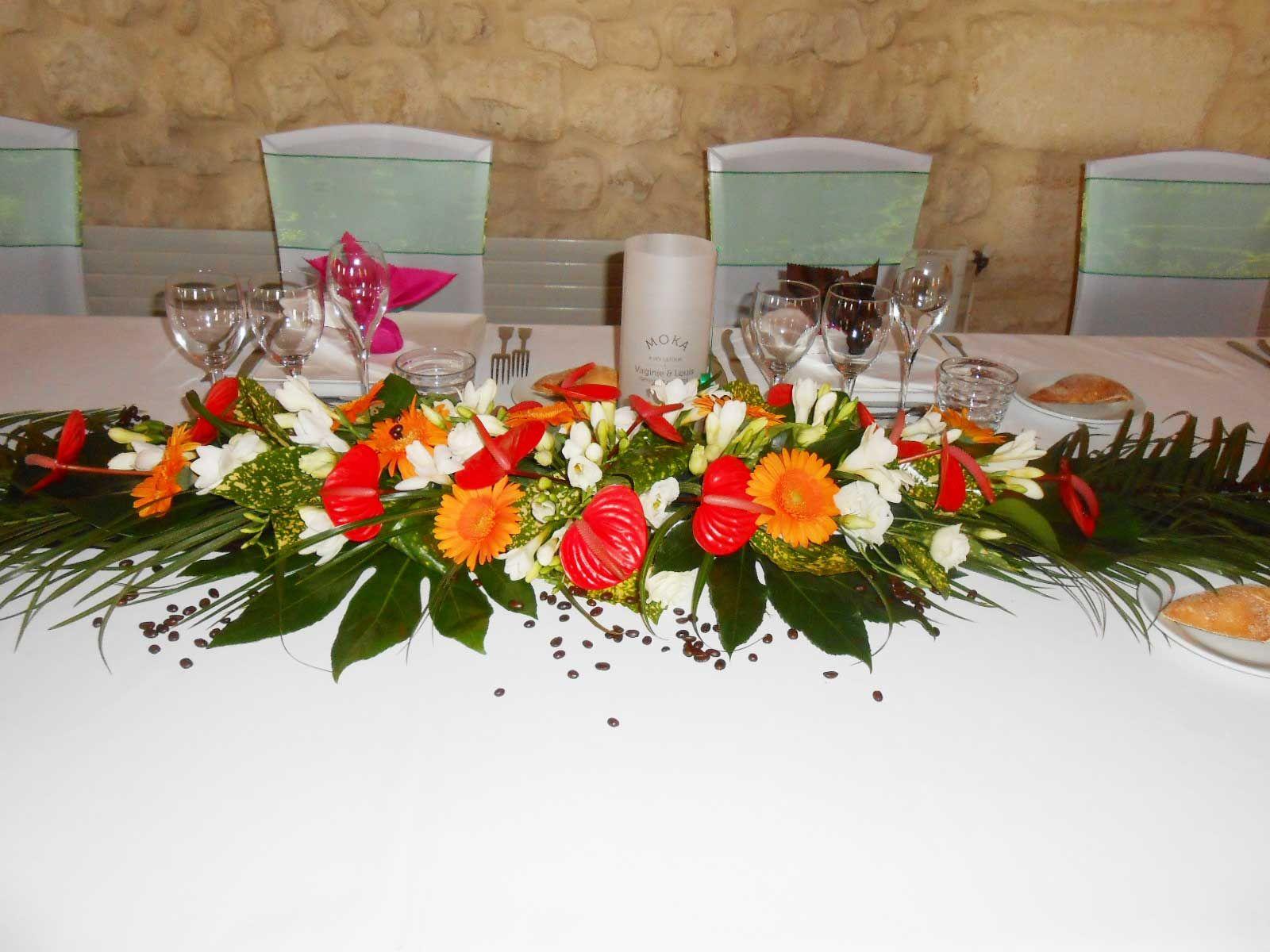 une d coration florale de mariage exotique mariage pinterest floral arrangement wedding. Black Bedroom Furniture Sets. Home Design Ideas