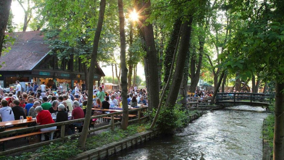 Die Neun Schonsten Biergarten In Munchen Biergarten Munchen Weltreise Sehenswurdigkeiten In Munchen