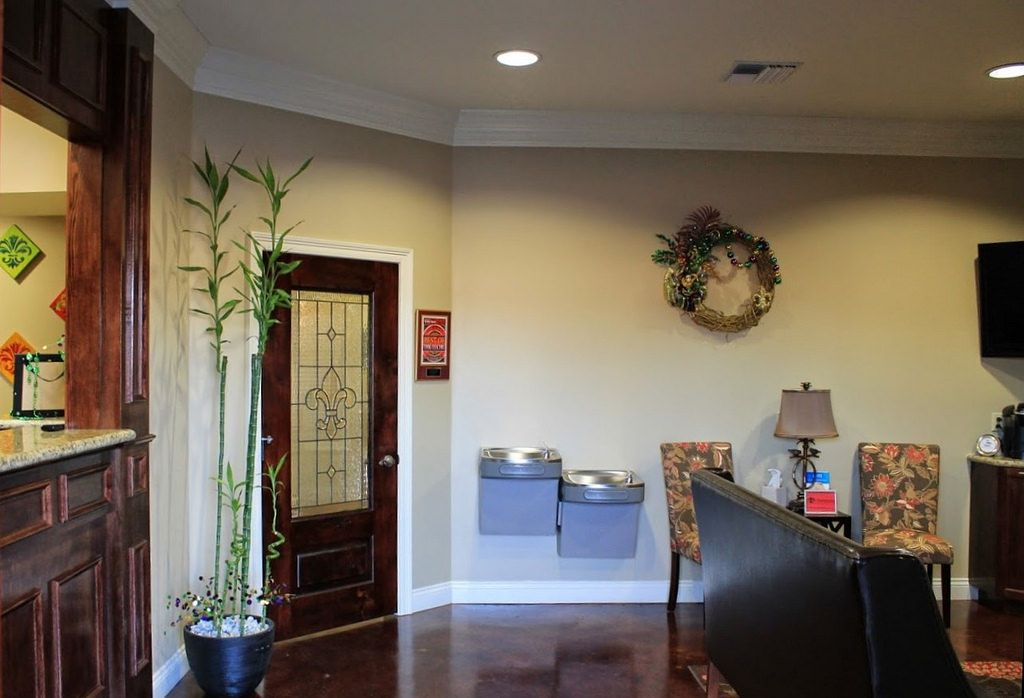 Waiting And Reception Area At Charpentier Family Dentistry New