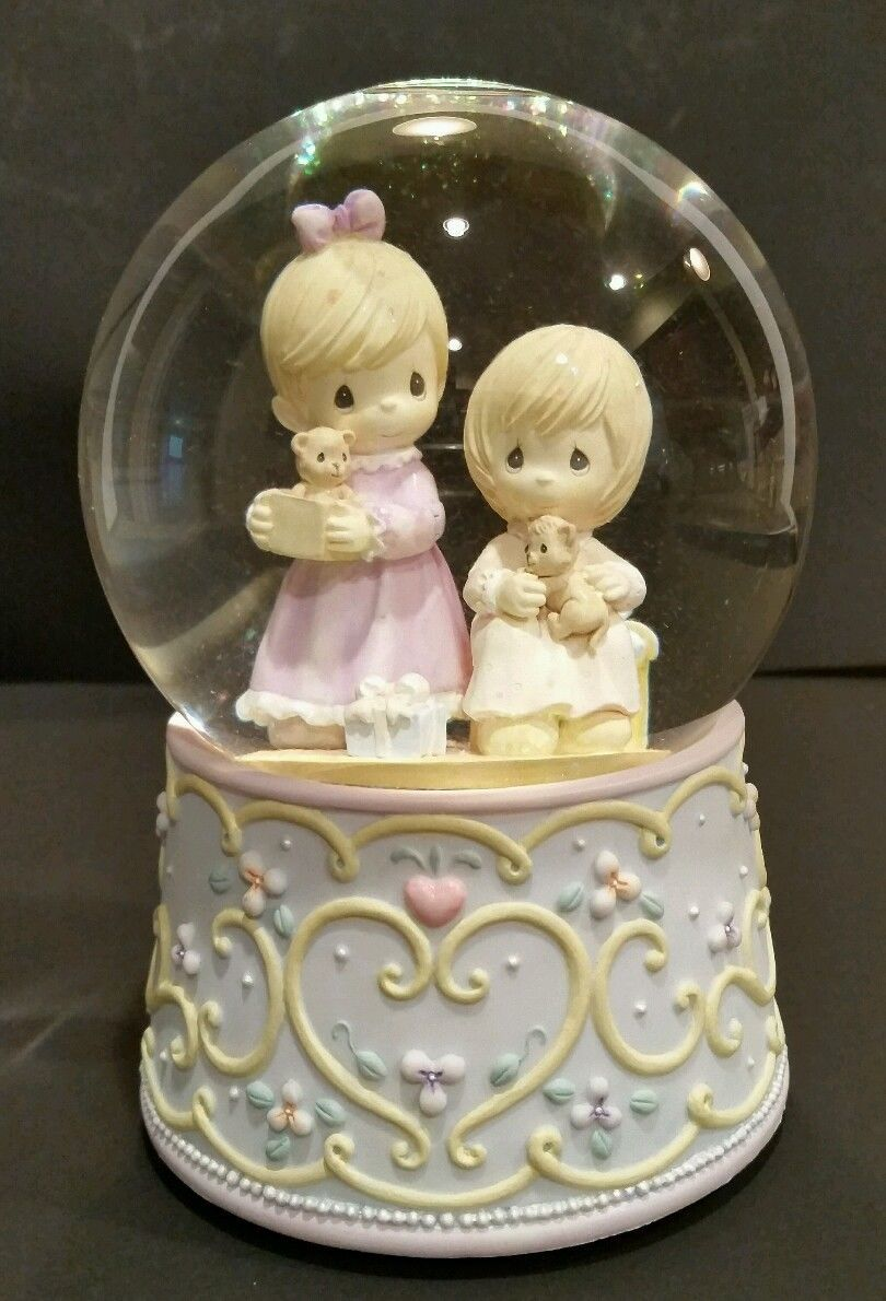 """Precious Moments Enesco Musical Snow Globe """"That's What Friends Are For"""" EUC • $22.50"""