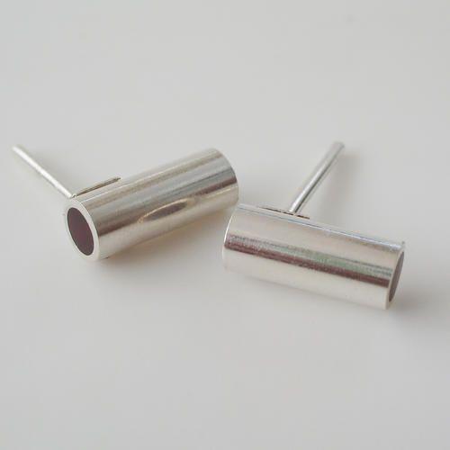 www.ariadnazerpa.com.Pendientes en plata de ley y resina.Hechos a mano.