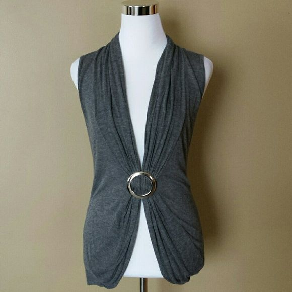 Gray Top with Ring Gather No Trades Next Day Shipping All Items are in Gently Used Condition Unless Stated Body Central Tops