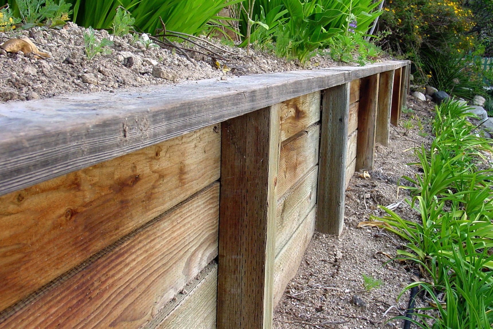 All About Retaining Walls In 2020 Retaining Wall Concrete Retaining Walls Building A Retaining Wall