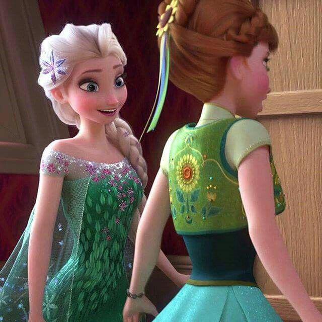 Elsas smile is hugee 3