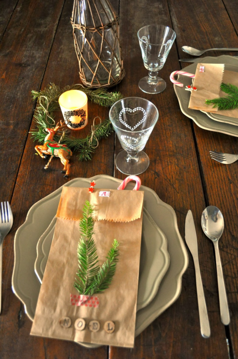 37 christmas table decorations fit for a festive holiday feast for Christmas lunch table setting ideas