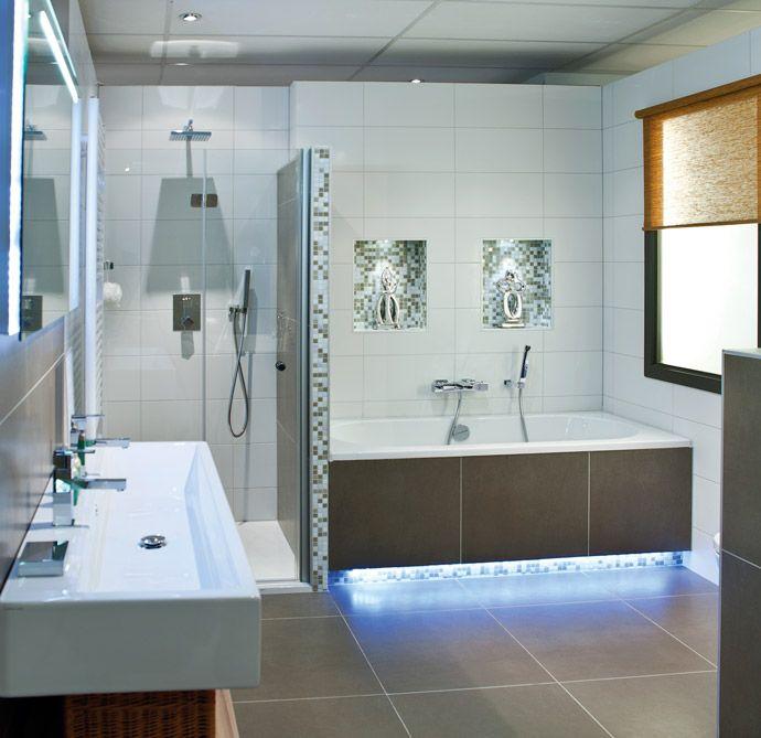 Moderne badkamer | Satink Zwolle - Badkamers kasten en slapen ...