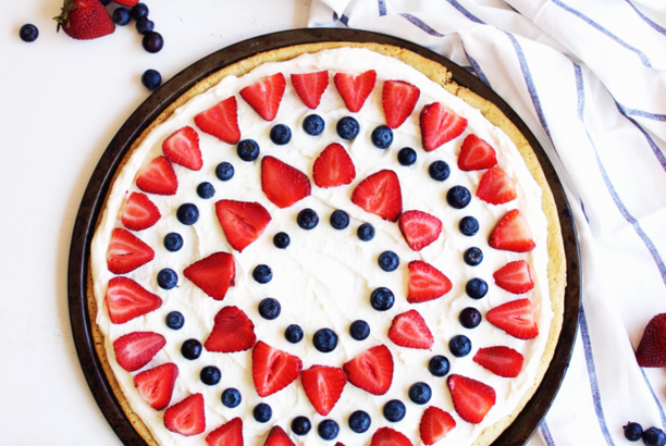 4th of July Berry Dessert Pizza