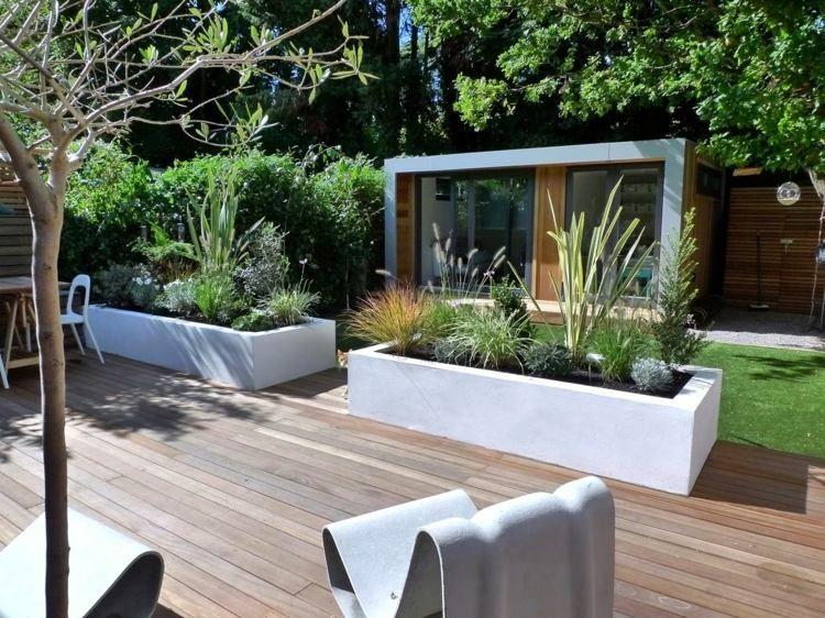 kräutergarten im minimalistischen weißen beton-pflanzkübeln ... - Umgestaltung Krautergarten Dachterrasse