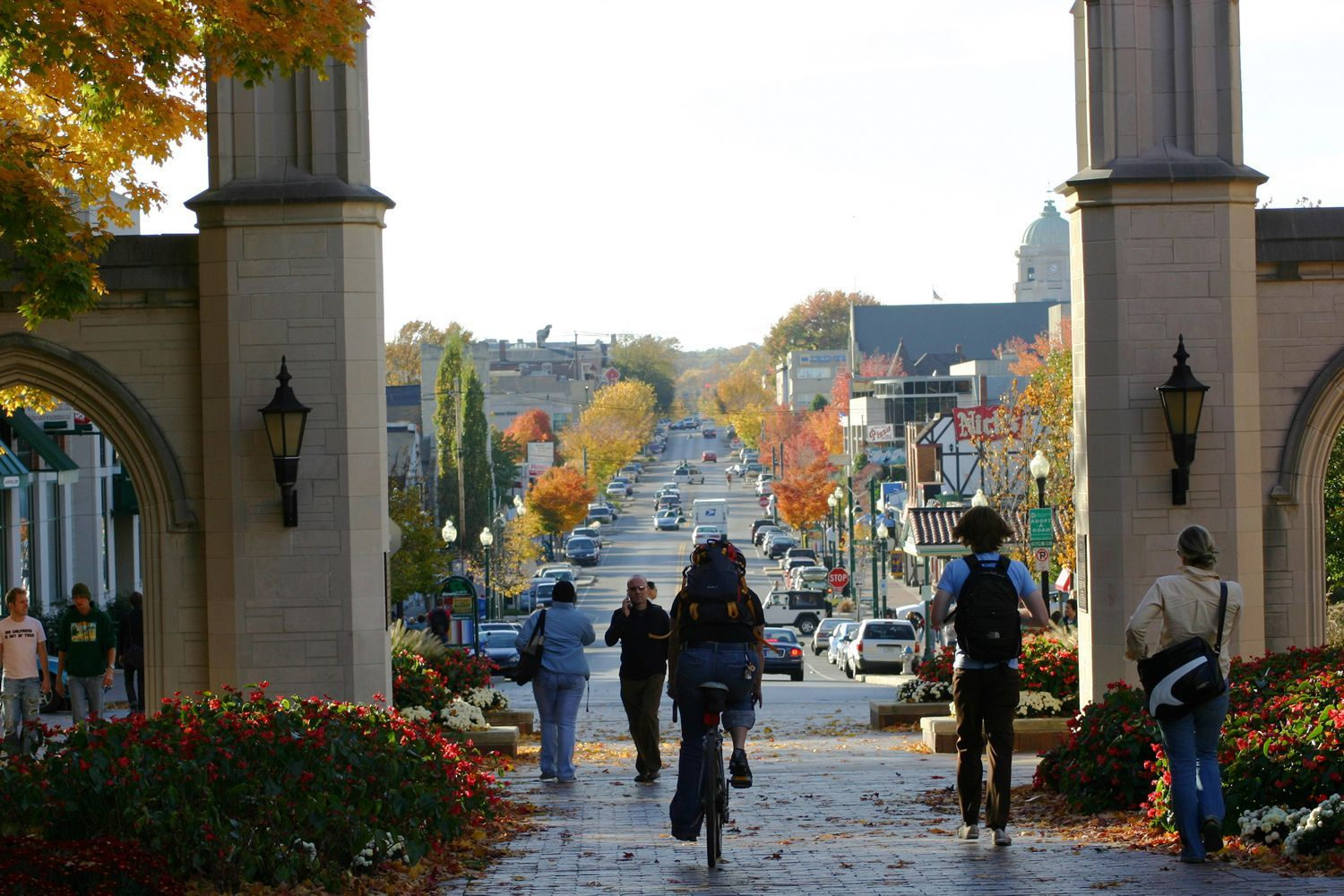 Your Guide To A Fall Weekend In Bloomington Indiana College Town Top 10 Colleges Best Places To Live