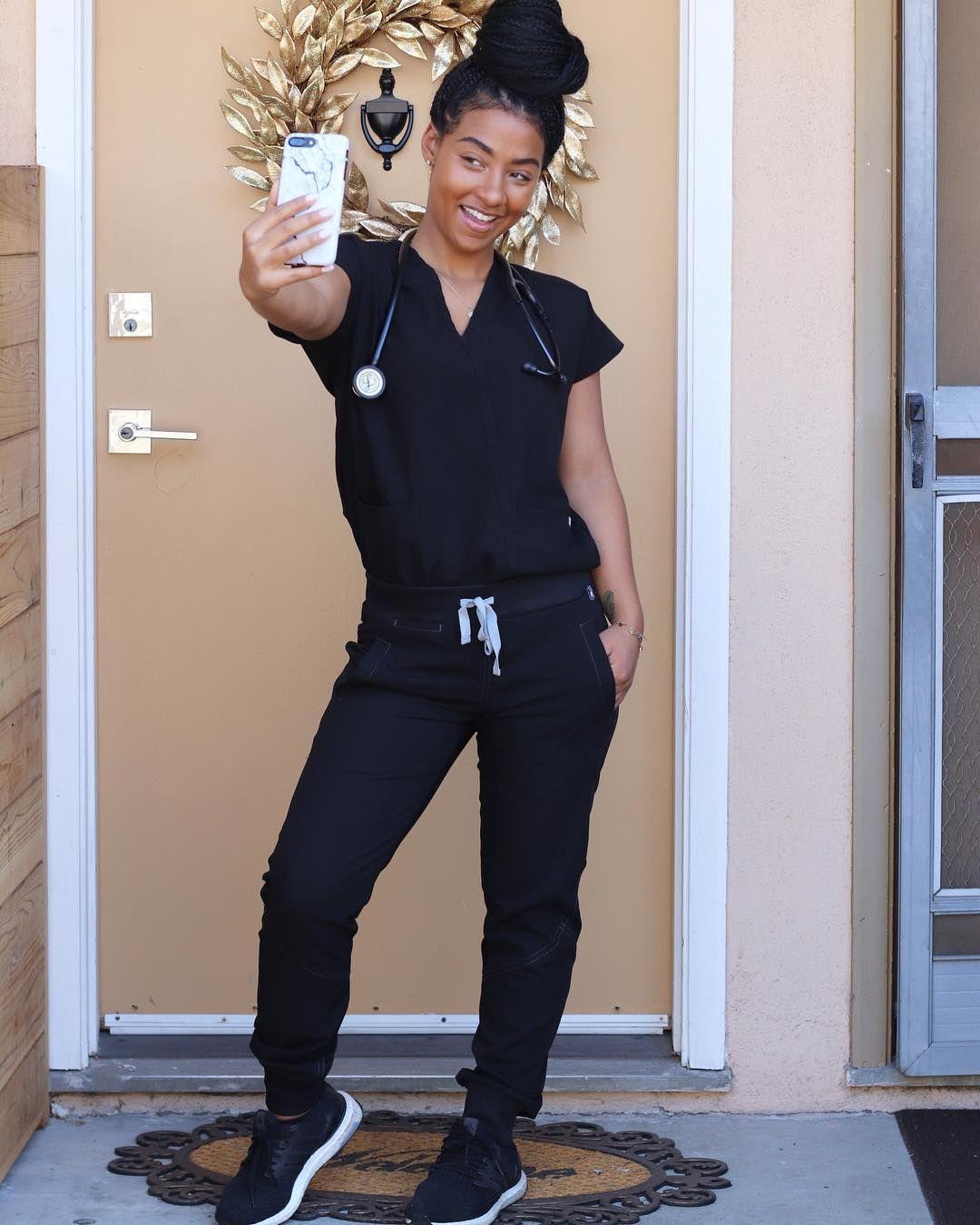 Love the joggers Scrubs outfit, Cute scrubs, Nursing clothes