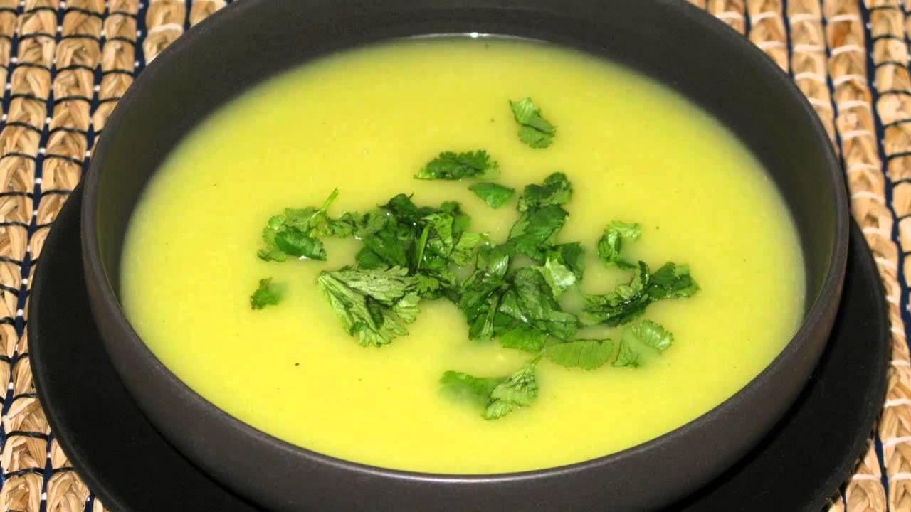Como preparar sopa de apio para adelgazar