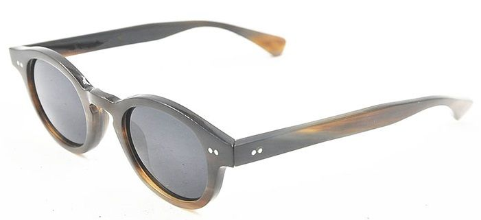 25d5ff0de0858 Os óculos se tornaram acessórios indispensáveis. Conheça os modelos de  óculos de sol que irão inspirar homens e mulheres no inverno deste ano
