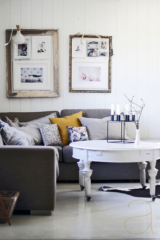 Scandinavian living room coolest idea for hanging pictures