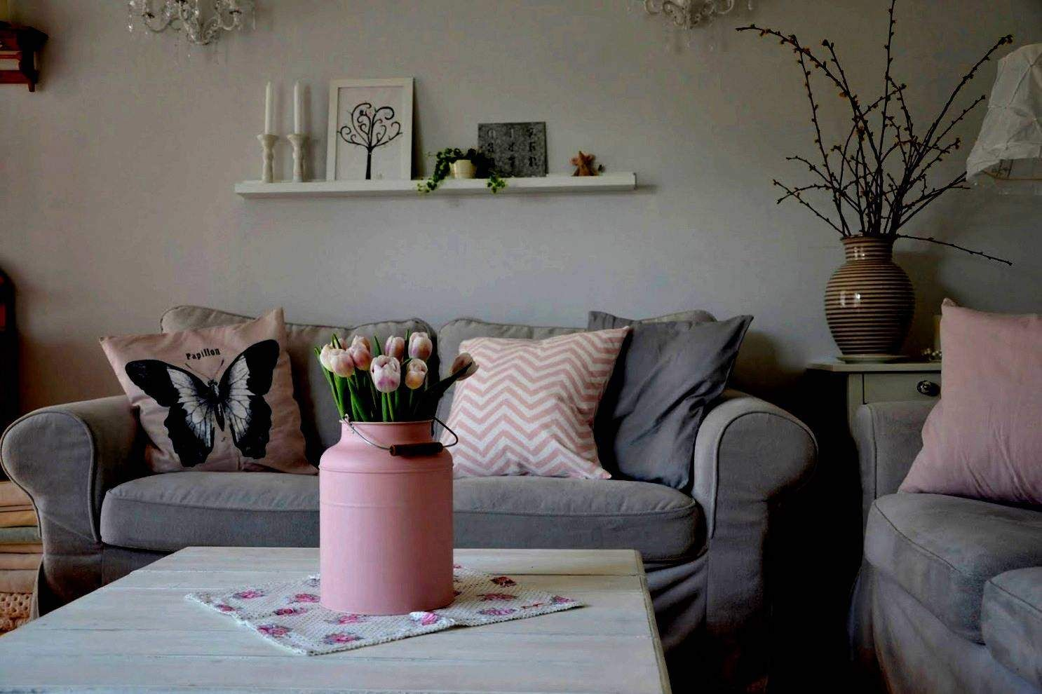 Wohnzimmer Deko Grau Rosa in 9  Home decor, Bedroom pillows, Home