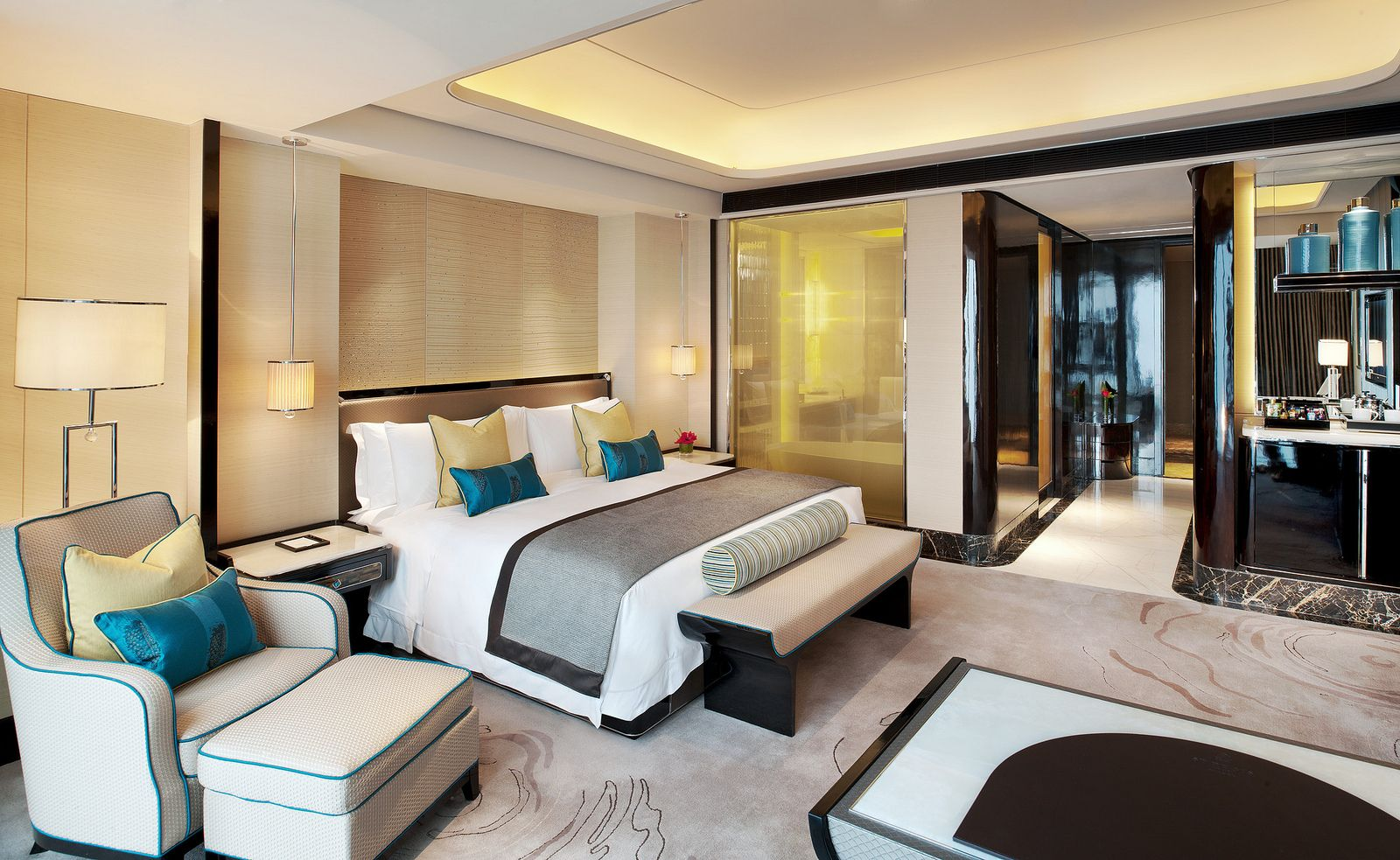 The St Regis Shenzhen Deluxe City View Room Luxury Hotel Room Hotel Room Interior Hotel Room Design Luxury hotel room design