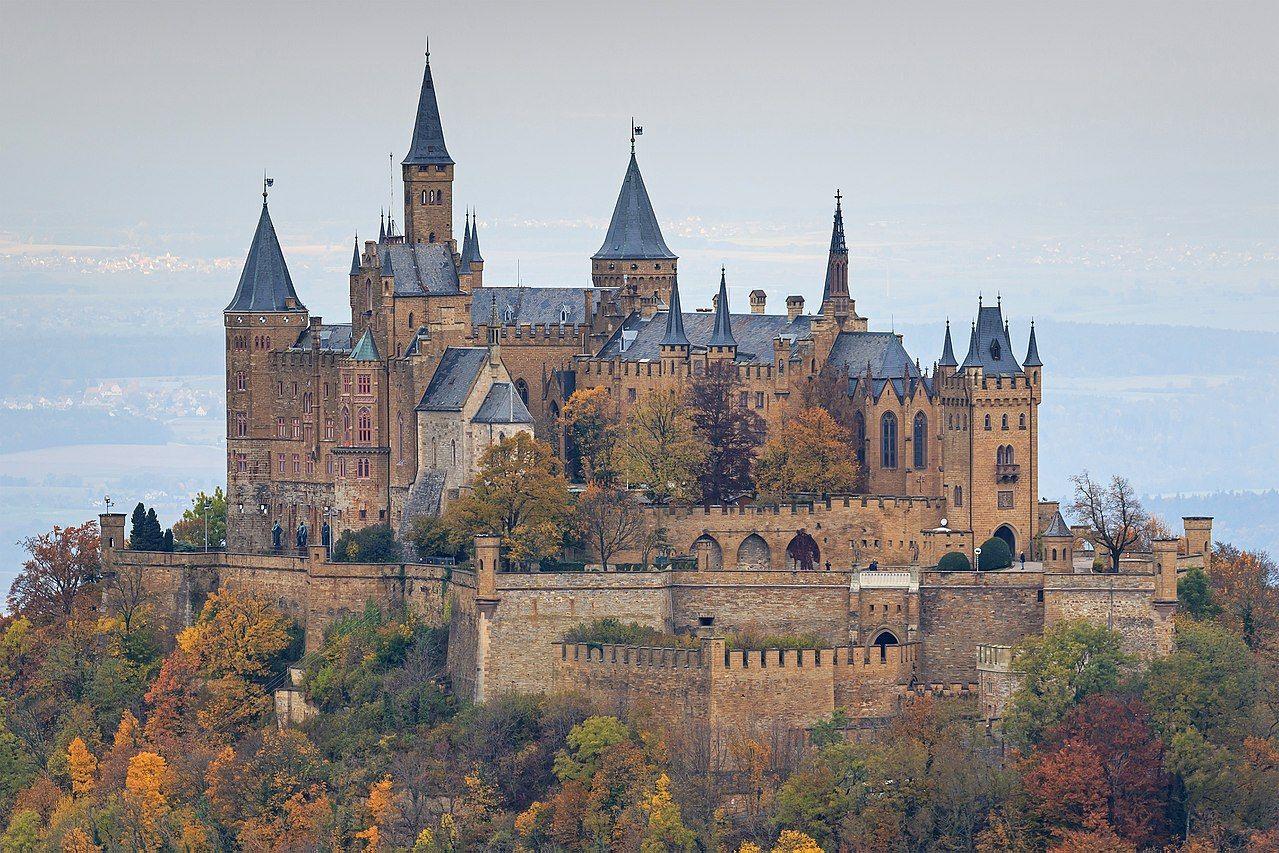 Burg Hohenzollern 10 2016 Hill Castle Wikipedia Hohenzollern Castle Neuschwanstein Castle Castle