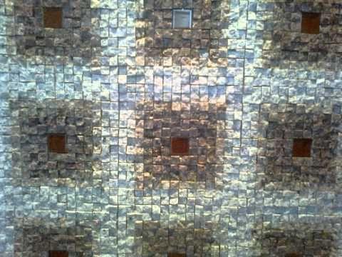 Parede de corredor -- Mosaico de granito.