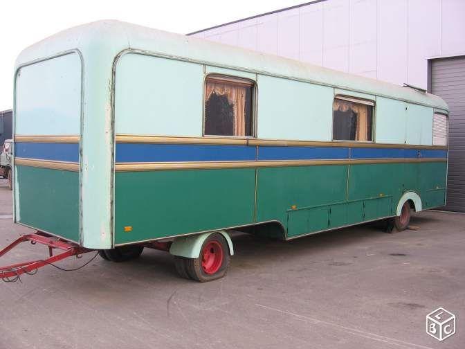 roulotte foraine de 9 m tres ann e 1960 autos et motos anciennes pinterest ann e 1960. Black Bedroom Furniture Sets. Home Design Ideas