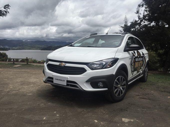 Chevrolet Incursiona En El Segmento Crossover Con Onix Activ Naves 4 4 Crossover 4x4 Onix