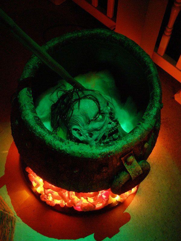 wwwhalloweenforum/halloween-props/90111-witch-props