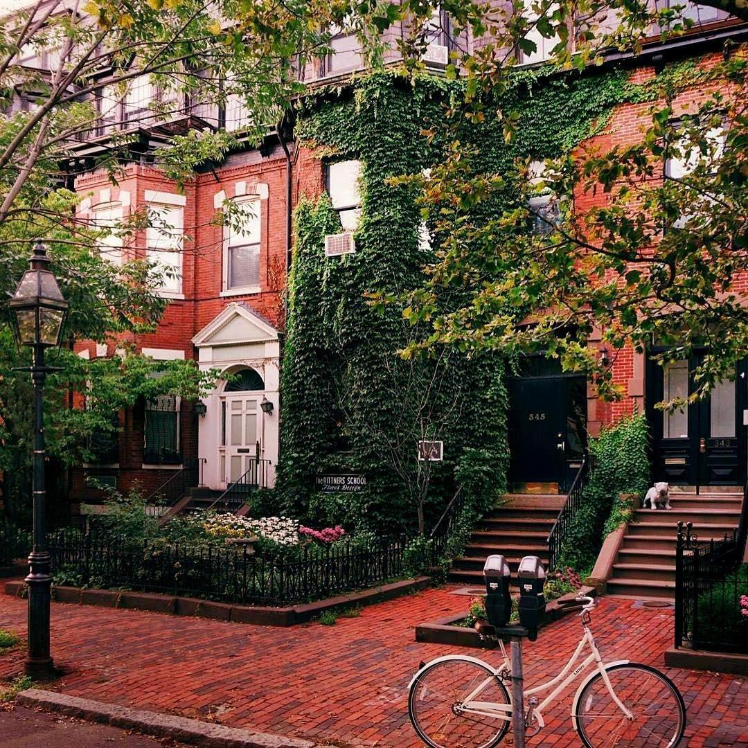 Tucker Apartments exterior, Boston brownstone, Exterior