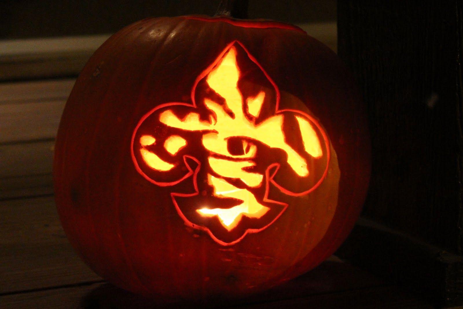 LSU Pumpkin Carving